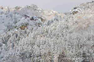 冬の山寺(立石寺)山寺駅からの眺望