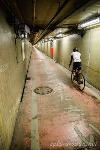 川崎港海底トンネル人道9